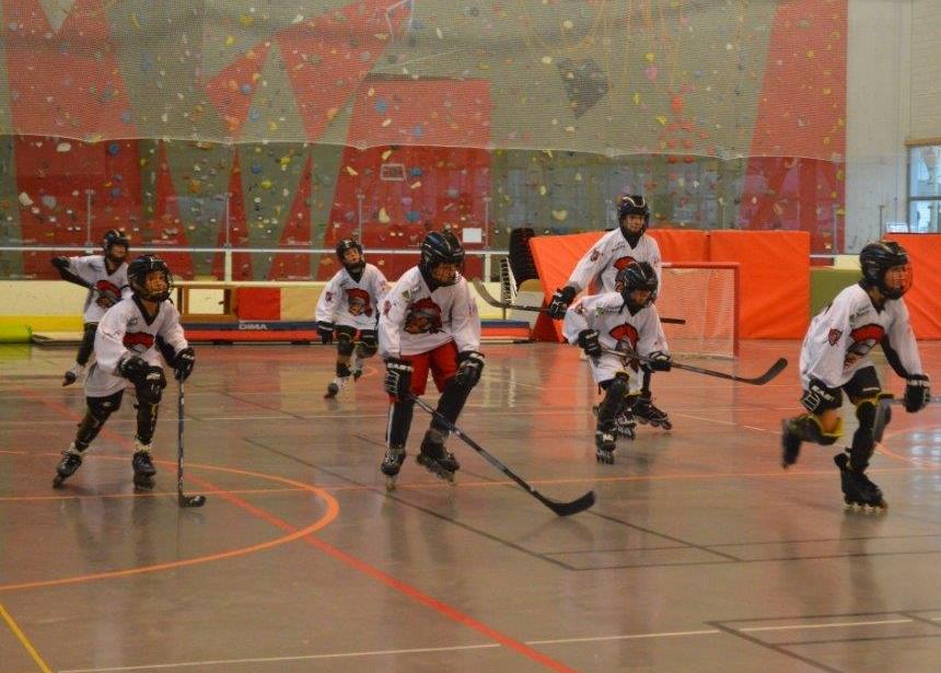 A fond au roller hockey