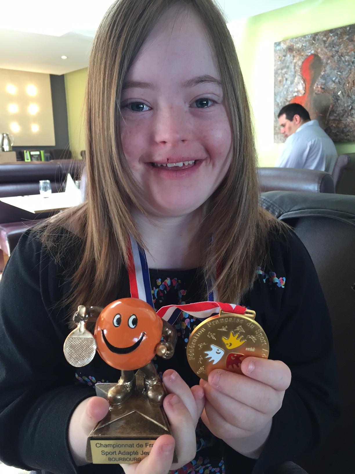Camille championne de france de tennis de table