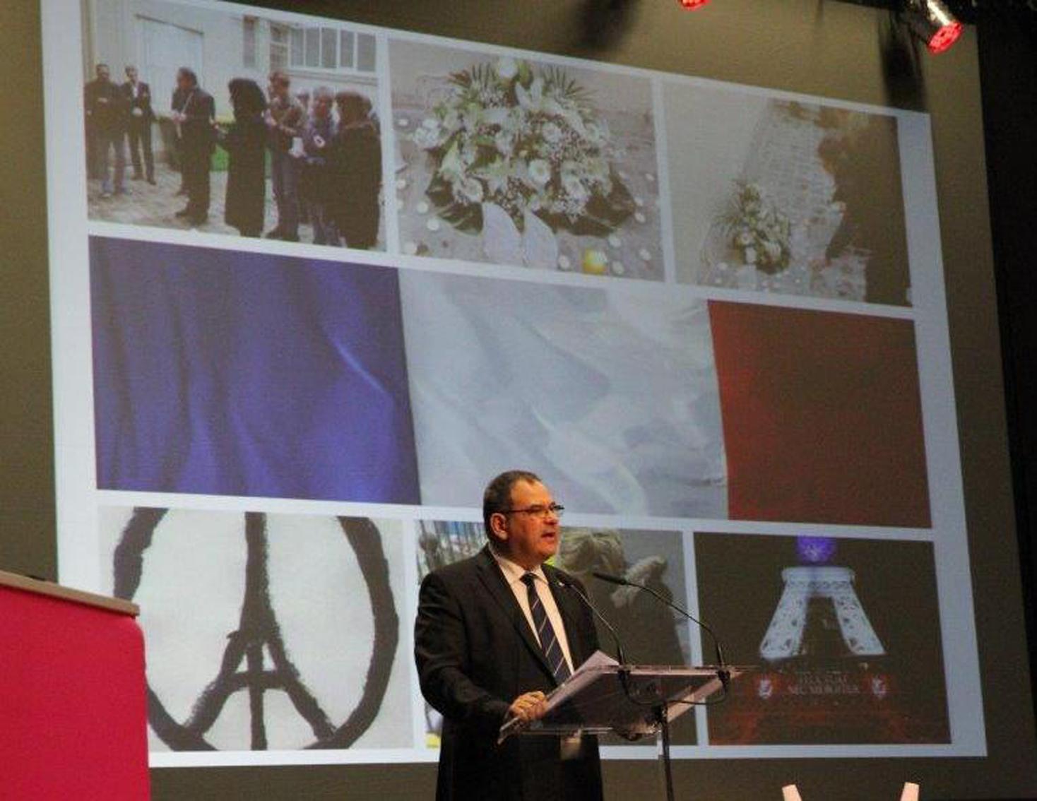 Christian babonneau evoquant les terribles attentas de novembre a paris 1