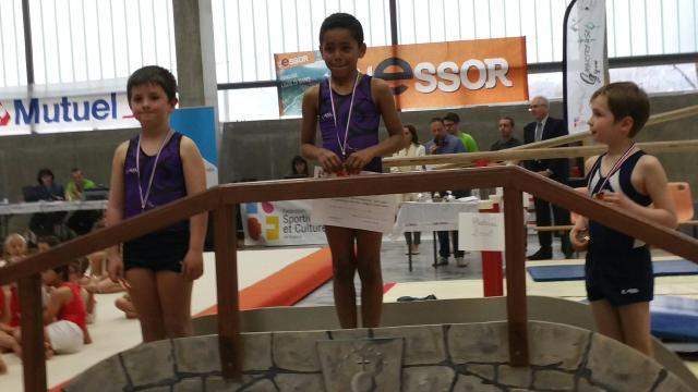 Jessim benchachou sur le podium